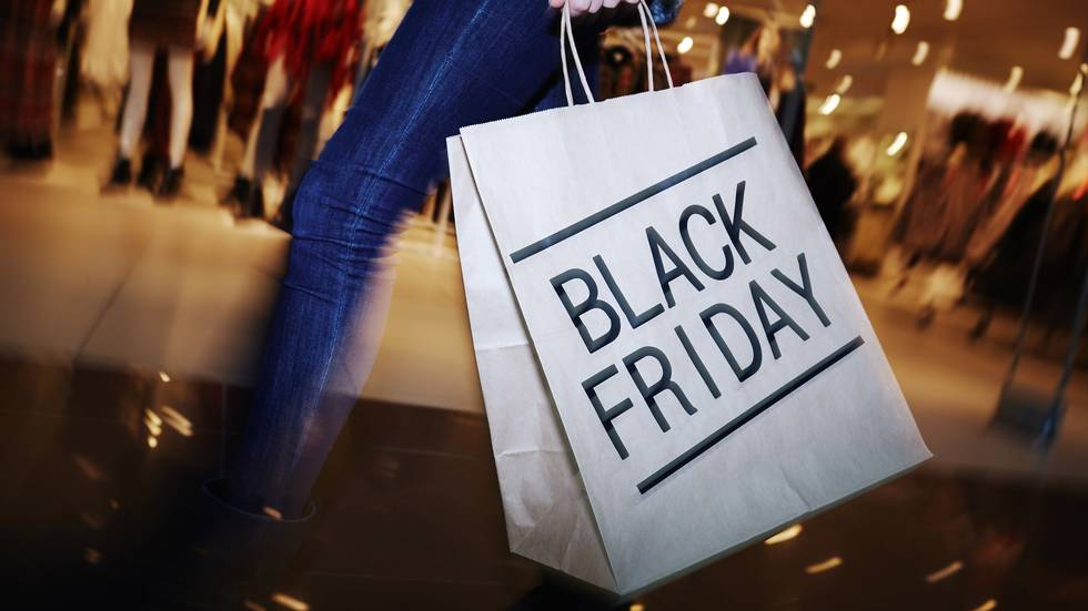 23. november er datoen for årets black friday. Hvilken type black friday-person er du?                       (Foto: Shutterstock / Pressmaster)