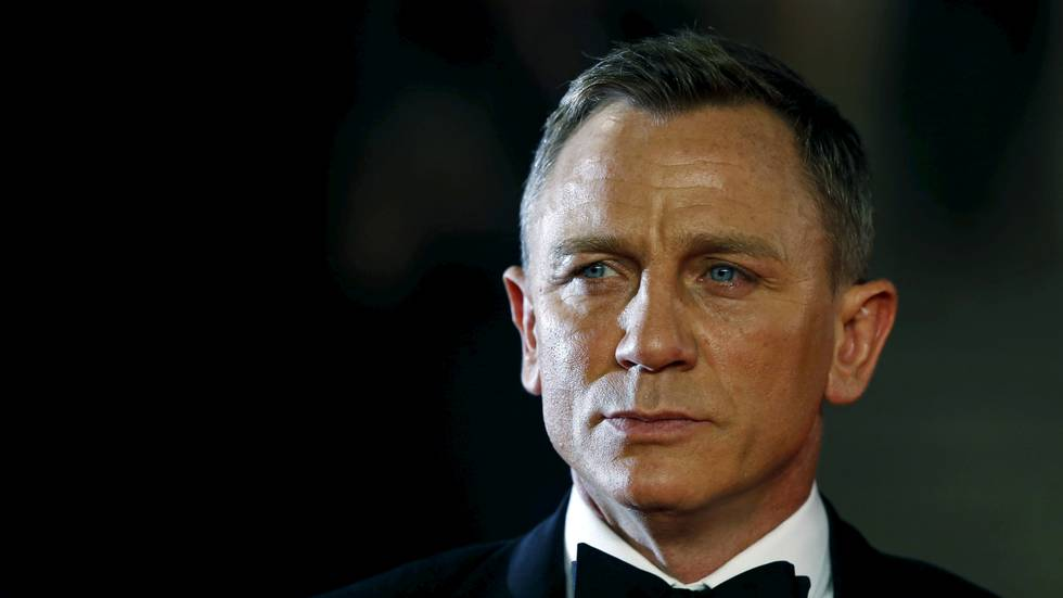 Daniel Craig skal igjen spille James Bond.                       (Foto: REUTERS/Luke MacGregor/File Photo)