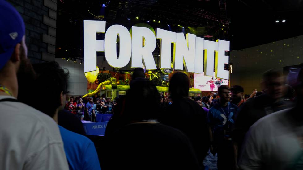 FILE PHOTO: The Fortnite booth is shown at E3, the world's largest video game industry convention in Los Angeles, California, U.S. June 12, 2018. REUTERS/Mike Blake/File Photo                      (Foto: Mike Blake)