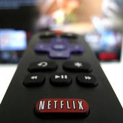 FILE PHOTO: The Netflix logo is pictured on a television remote in this illustration photograph taken in Encinitas, California, U.S., January 18, 2017.  REUTERS/Mike Blake/File Photo                       (Foto: Mike Blake)