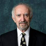 Jonathan Pryce poses for a portrait at the 92nd Academy Awards Nominees Luncheon at the Loews Hotel on Monday, Jan. 27, 2020, in Los Angeles. (AP Photo/Chris Pizzello)                      (Foto: Chris Pizzello)