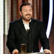 This image released by NBC shows host Ricky Gervais speaking at the 77th Annual Golden Globe Awards at the Beverly Hilton Hotel in Beverly Hills, Calif., on Sunday, Jan. 5, 2020. (Paul Drinkwater/NBC via AP)                       (Foto: Paul Drinkwater)
